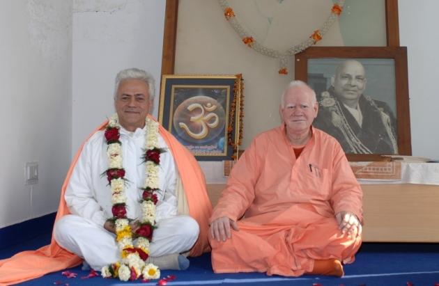 Meeting with H.H. Svámin Vimlánanda Sarasvatí Mahá Rája and H.H. Svámin Yogasvarupánanda