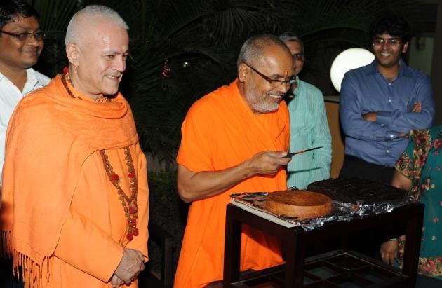 60º Aniversário de H.H. Mahá Mandaleshvara Svámin Paramátmánanda Sarasvatí Mahá Rája