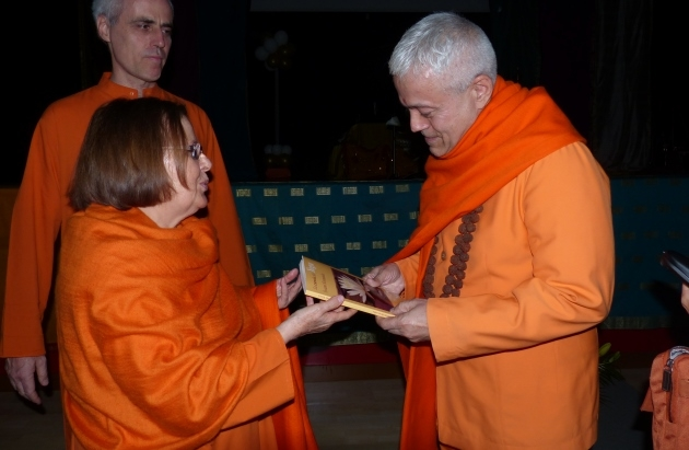 Meeting with Swami Durgánanda, Director of the Shivánanda Centres in Europe