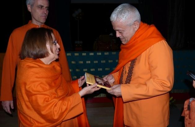Encontro com Swami Durgánanda, Directora dos Centro Shivánanda na Europa