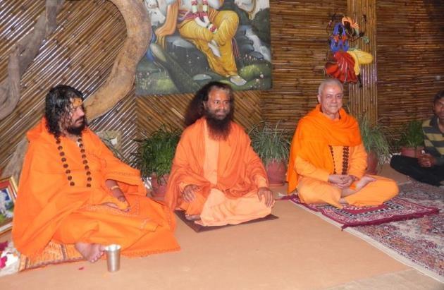 Encuentro con H.H. Pujya Svámin Chidanand Sarasvatiji Maharaj