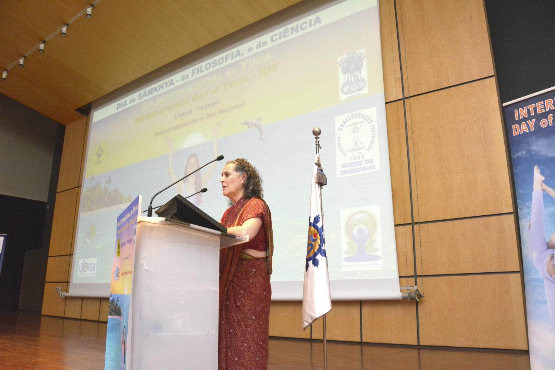 Día del Sámkhya - de la Filosofía y de la Ciencia - 2017 - Conferencia por Rukmini Dasi, ISKCON