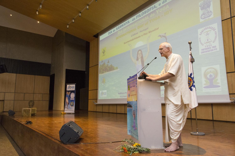 Día del Sámkhya - de la Filosofía y de la Ciencia - 2017- Conferencia por Anuttama Dasa, ISKCON
