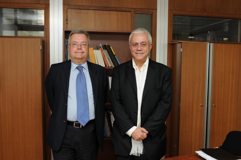 Com S.E: Dr.Luís Filipe Castro Mendes, Embaixador de Portugal na UNESCO em 2011