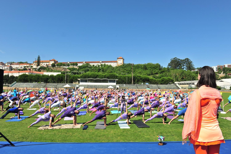 2016 - Coimbra - Cosmos Namaskára, Yoga Class by Sváminí Chandra Shakti Deví