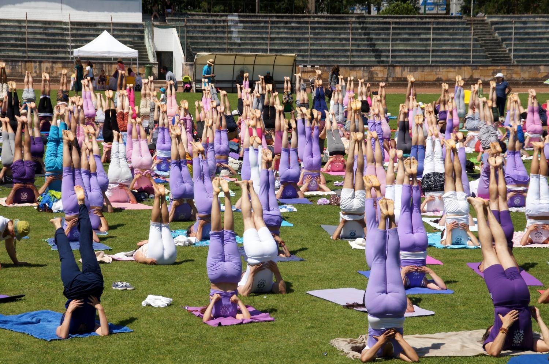 2016 - Coimbra - Cosmos Namaskára, aula do Yoga ministrada pela Sváminí Chandra Shakti Deví
