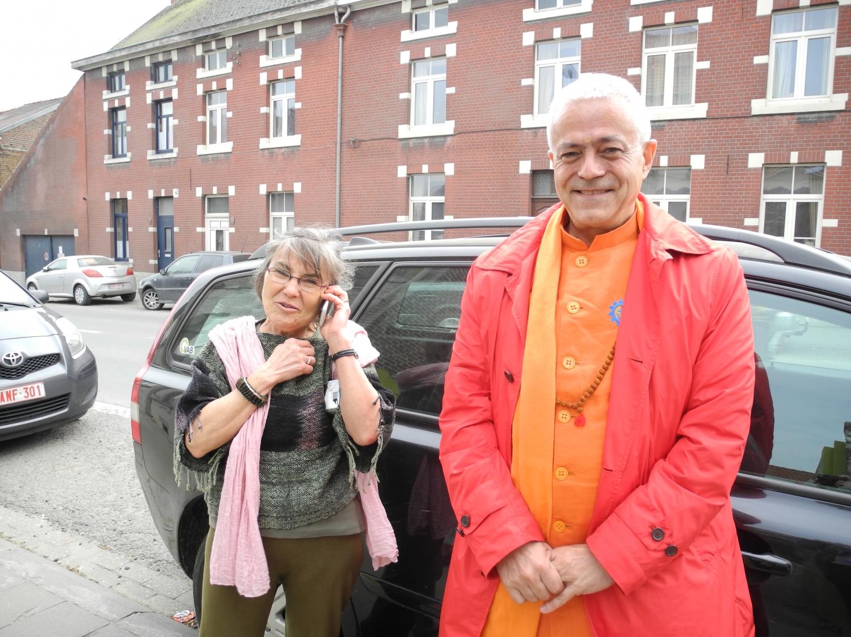 Encuentro de H.H. Jagat Guru Amrta Sūryānanda Mahā Rāja con el Maestro Thierry Van Brabant - Centre Samtosha, Jodoigne, Bélgica - 2012, marzo