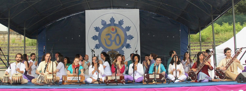 Actuação do Omkára - Coral Orquestra da Confederação Portuguesa do Yoga