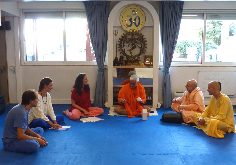 Visit of Svámin Yadunandana  - ISKCON Hare Krshna - at the Headquarters of the Portuguese Yoga Confederation – 2015