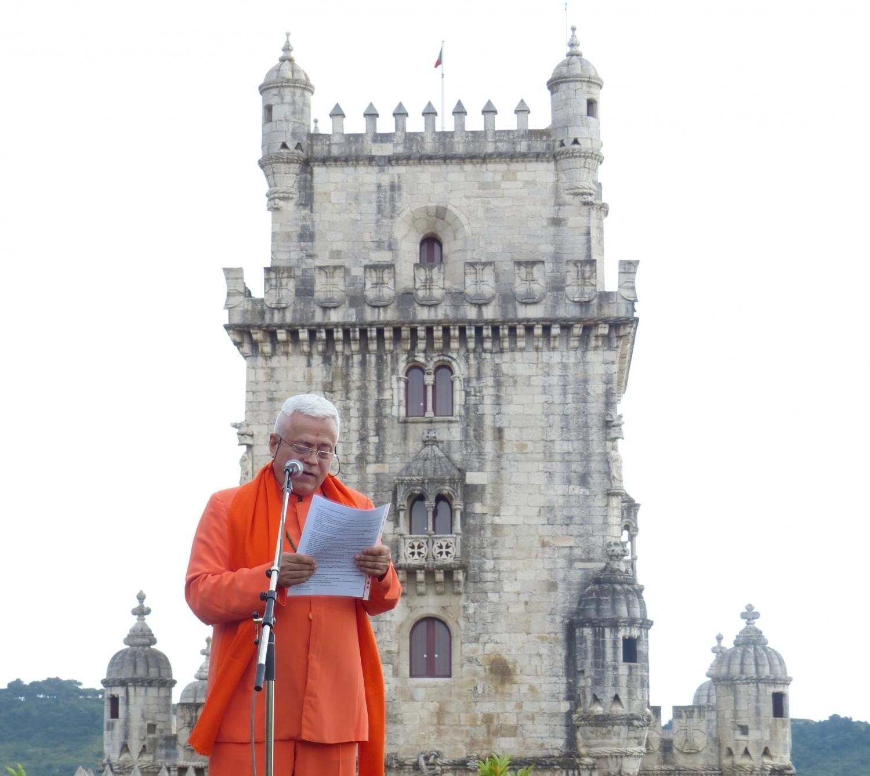 H.H. Jagat Guru Amrta Súryánanda Mahá Rája - Presidente da Confederação Europeia do Yoga e da Confederação Portuguesa do Yoga