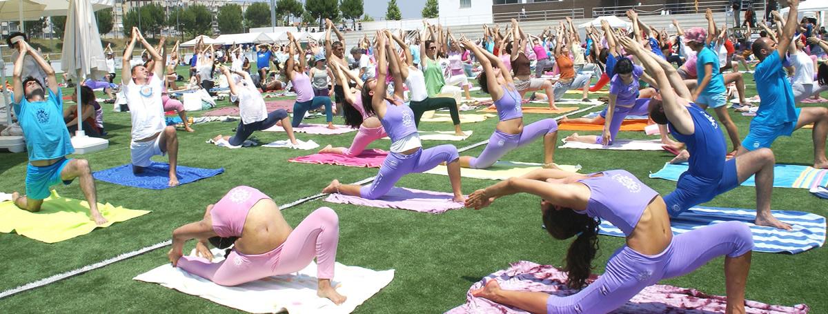 3. Dia Internacional do Yoga - 2010 - Almada - Mega Aula do Yoga